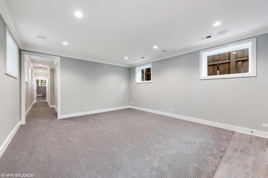 Real Estate Photography - 4100 N Oakley Ave, Chicago, IL, 60618 -