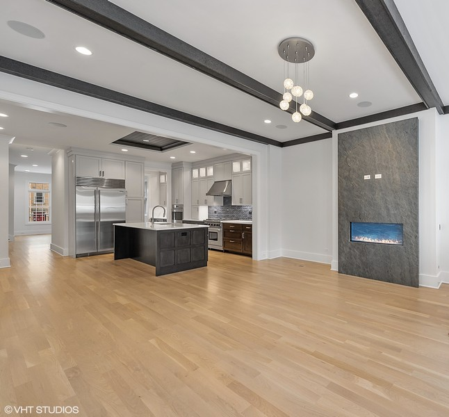 Real Estate Photography - 4100 N Oakley Ave, Chicago, IL, 60618 - Great Room