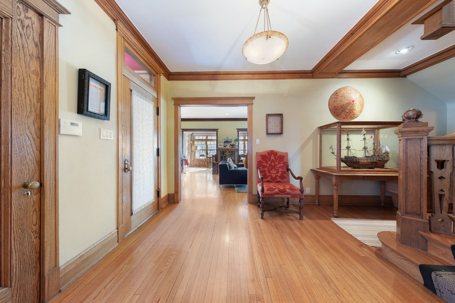 Real Estate Photography - 337 S. Elmwood, Oak Park, IL, 60302 -