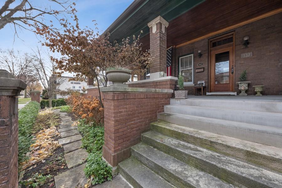 Real Estate Photography - 337 S. Elmwood, Oak Park, IL, 60302 -
