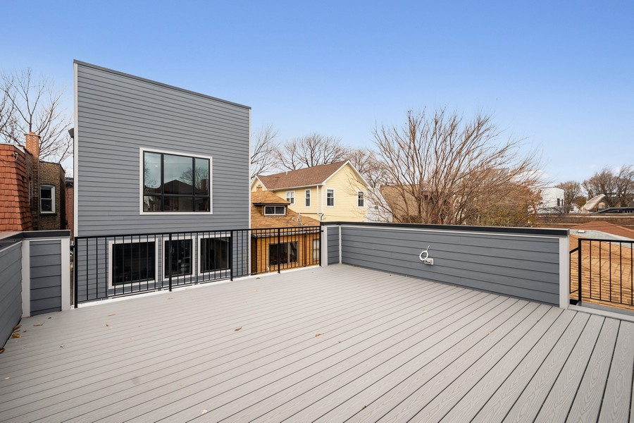 Real Estate Photography - 3623 N Leavitt, Chicago, IL, 60618 - Deck