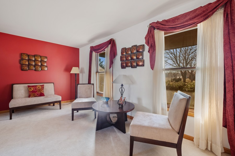 Real Estate Photography - 1201 Lockwood, Buffalo grove, IL, 60089 - Living Room