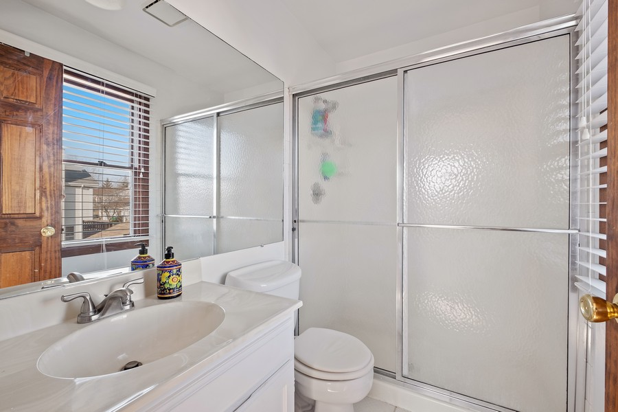 Real Estate Photography - 1201 Lockwood, Buffalo grove, IL, 60089 - Master Bathroom
