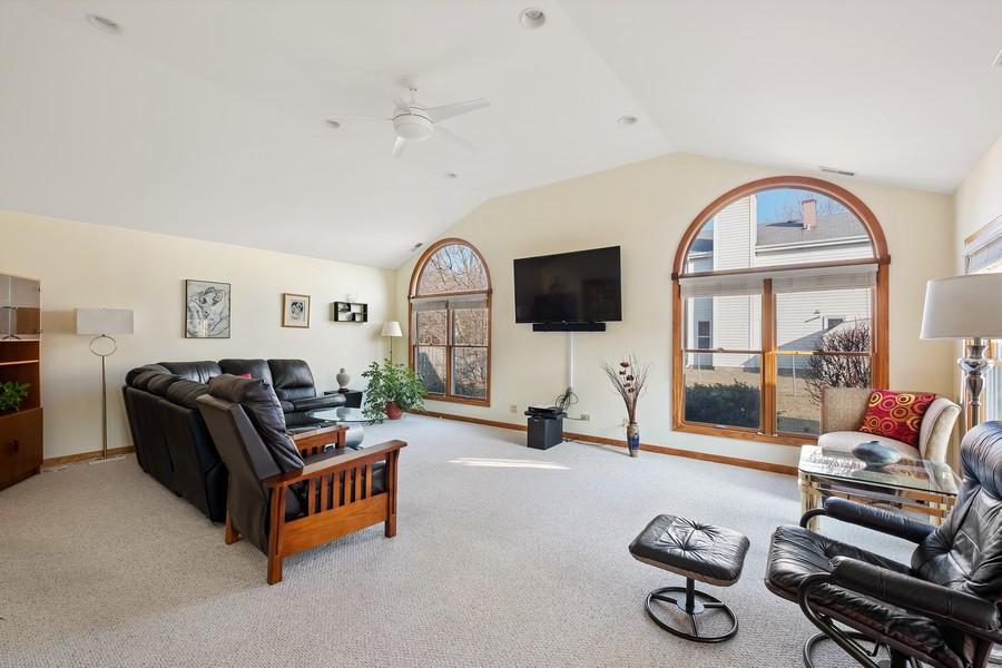 Real Estate Photography - 1201 Lockwood, Buffalo grove, IL, 60089 - Family Room