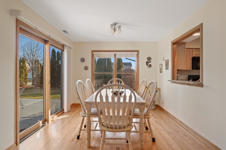 Real Estate Photography - 1201 Lockwood, Buffalo grove, IL, 60089 - Breakfast Area