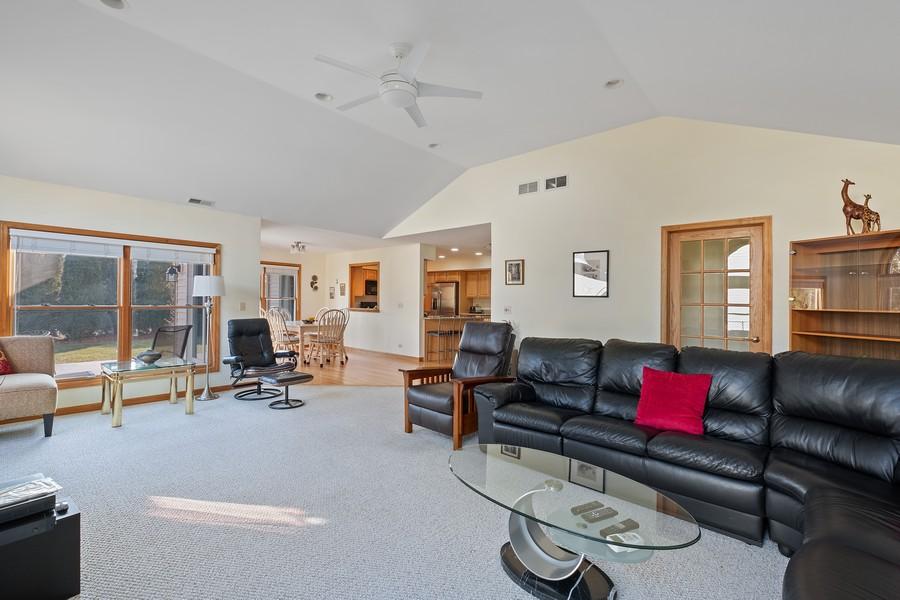 Real Estate Photography - 1201 Lockwood, Buffalo grove, IL, 60089 - Family Room / Kitchen