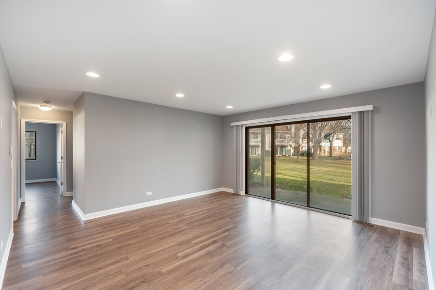 Real Estate Photography - 611 Ironwood Ct, Unit A1, Wheeling, IL, 60090 - Living Room
