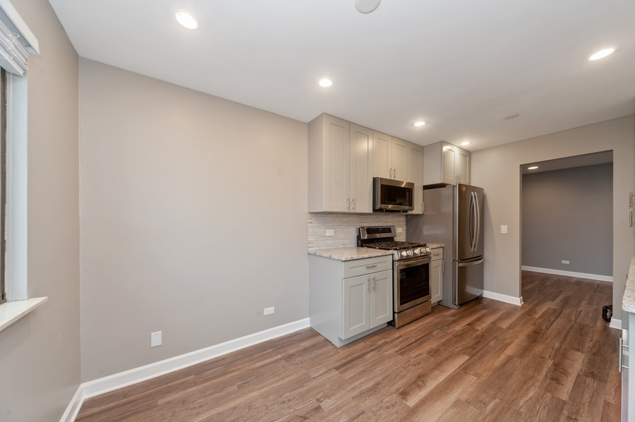Real Estate Photography - 611 Ironwood Ct, Unit A1, Wheeling, IL, 60090 - Kitchen / Breakfast Room