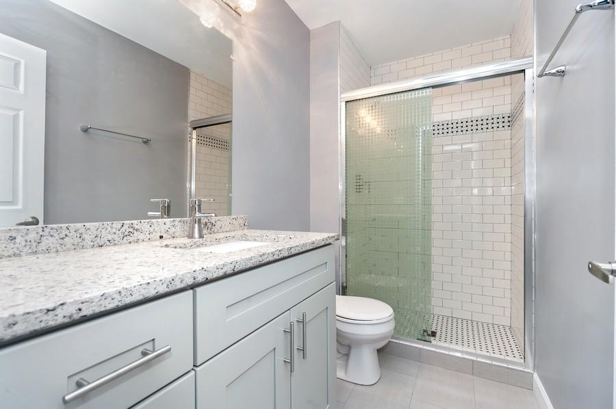 Real Estate Photography - 611 Ironwood Ct, Unit A1, Wheeling, IL, 60090 - Bathroom