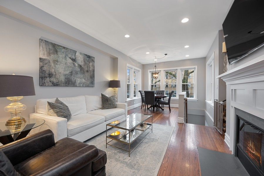 Real Estate Photography - 4902 N Hermitage Ave, Unit 1, Chicago, IL, 60640 - Living Room