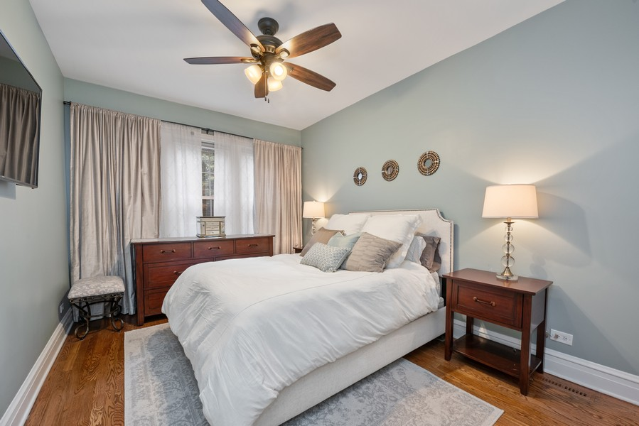Real Estate Photography - 4902 N Hermitage Ave, Unit 1, Chicago, IL, 60640 - Master Bedroom