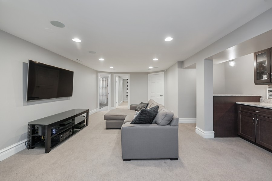 Real Estate Photography - 4902 N Hermitage Ave, Unit 1, Chicago, IL, 60640 - Family Room