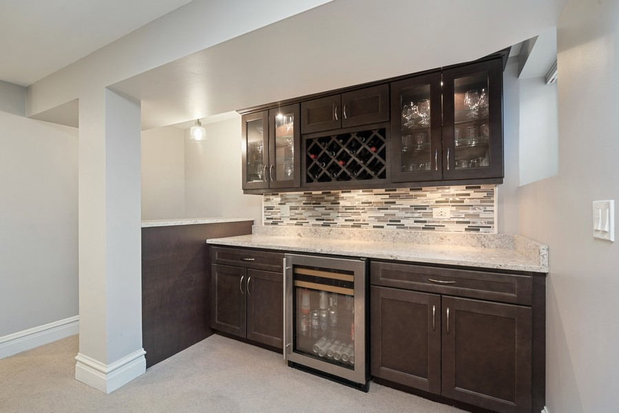 Real Estate Photography - 4902 N Hermitage Ave, Unit 1, Chicago, IL, 60640 - Bar