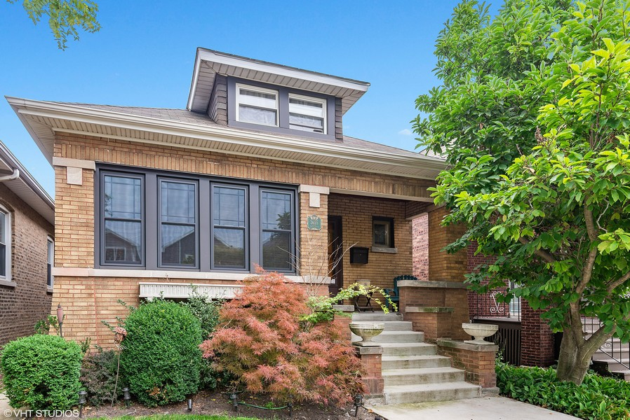 Real Estate Photography - 3655 N Artesian, Chicago, IL, 60618 -