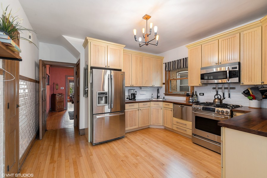 Real Estate Photography - 3655 N Artesian, Chicago, IL, 60618 - Farmhouse Style Modern Kitchen