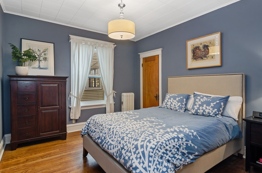 Real Estate Photography - 1330 W Elmdale, #2W, Chicago, IL, 60660 - Master Bedroom