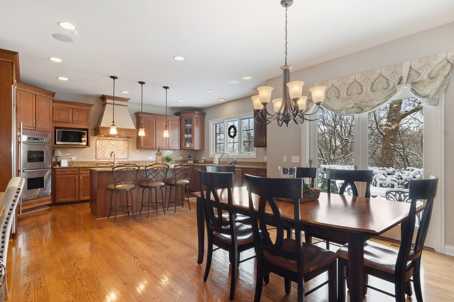 Real Estate Photography - 770 John Ct, Lake Zurich, IL, 60047 - Kitchen / Breakfast Room