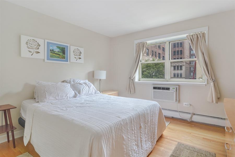 Real Estate Photography - 420 W Aldine, 322, Chicago, IL, 60657 - Master Bedroom