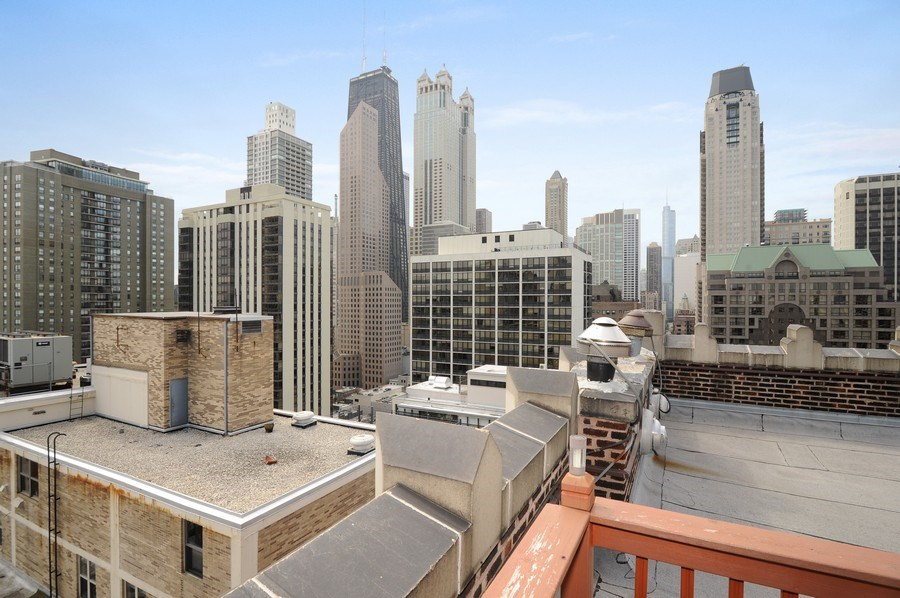 Real Estate Photography - 20 E Cedar, Unit 10C, Chicago, IL, 60611 - Location 15