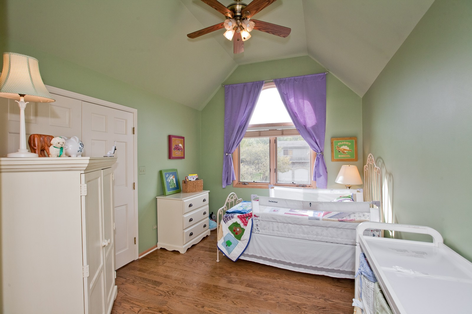 Real Estate Photography - 1031 W. 119th St, Lemont, IL, 60439 - 2nd Bedroom