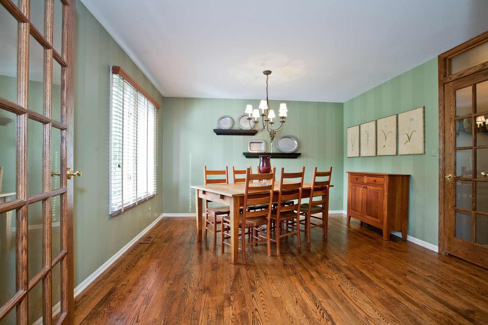 Real Estate Photography - 1031 W. 119th St, Lemont, IL, 60439 - Dining Room