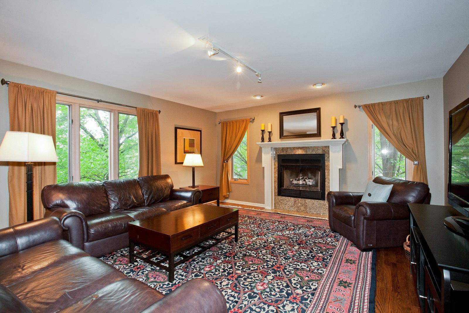 Real Estate Photography - 1031 W. 119th St, Lemont, IL, 60439 - Family Room