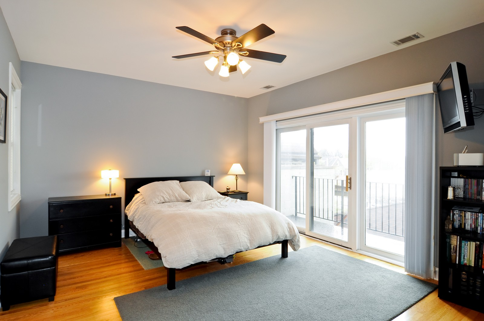 Real Estate Photography - 1957 W. Dickens Ave., 4, CHicago, IL, 60614 - Master Bedroom