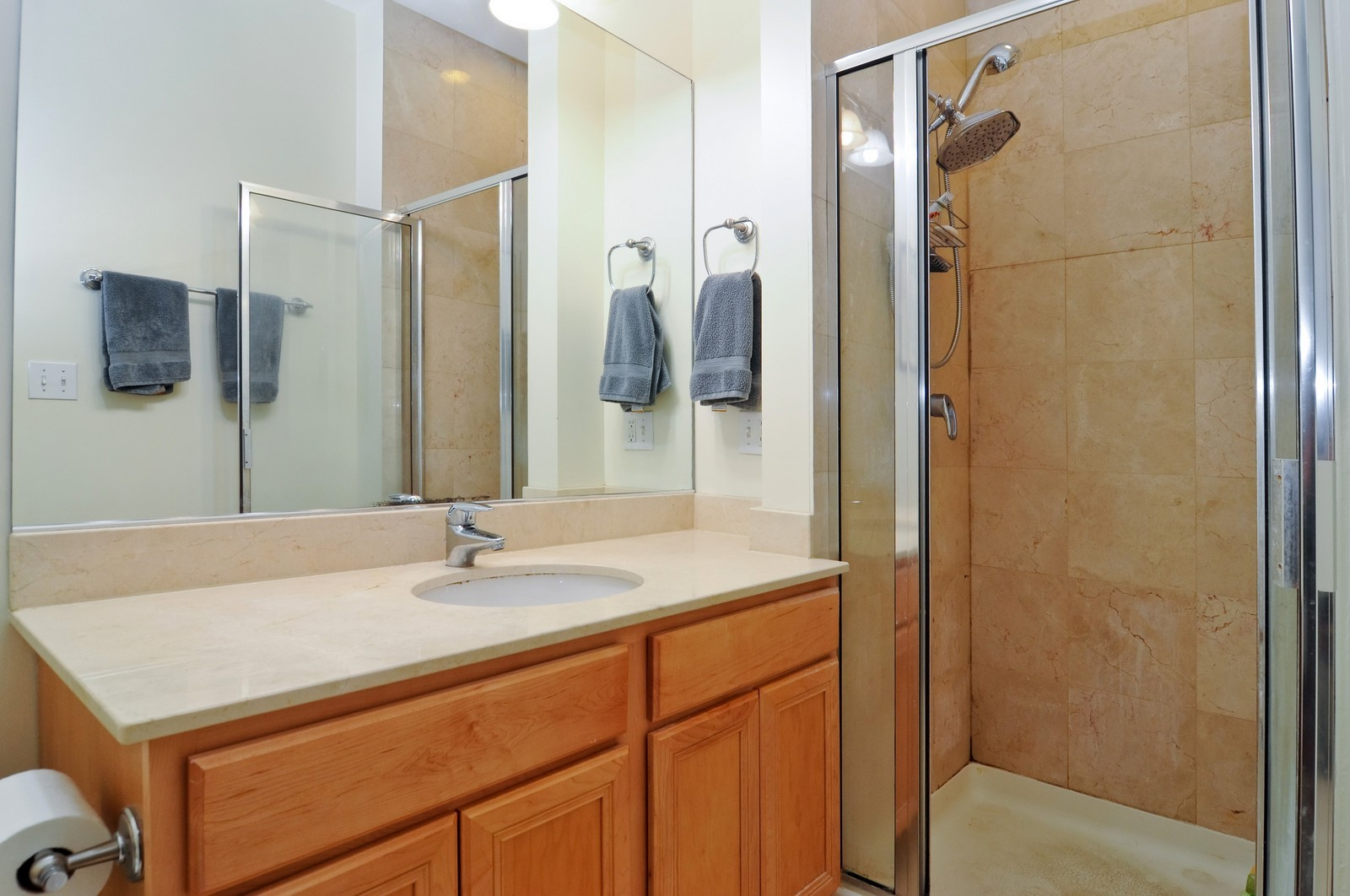 Real Estate Photography - 1957 W. Dickens Ave., 4, CHicago, IL, 60614 - Bathroom