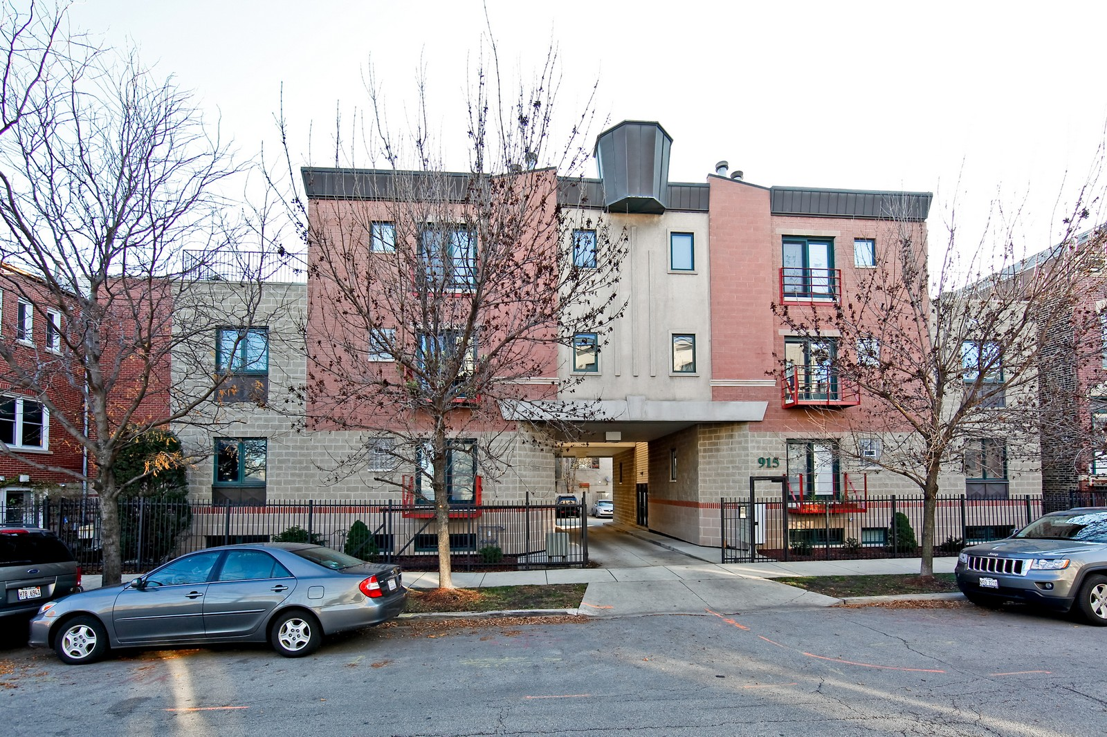 Real Estate Photography - 915 N. Racine Ave, 1NW, Chicago, IL, 60622 - Front View