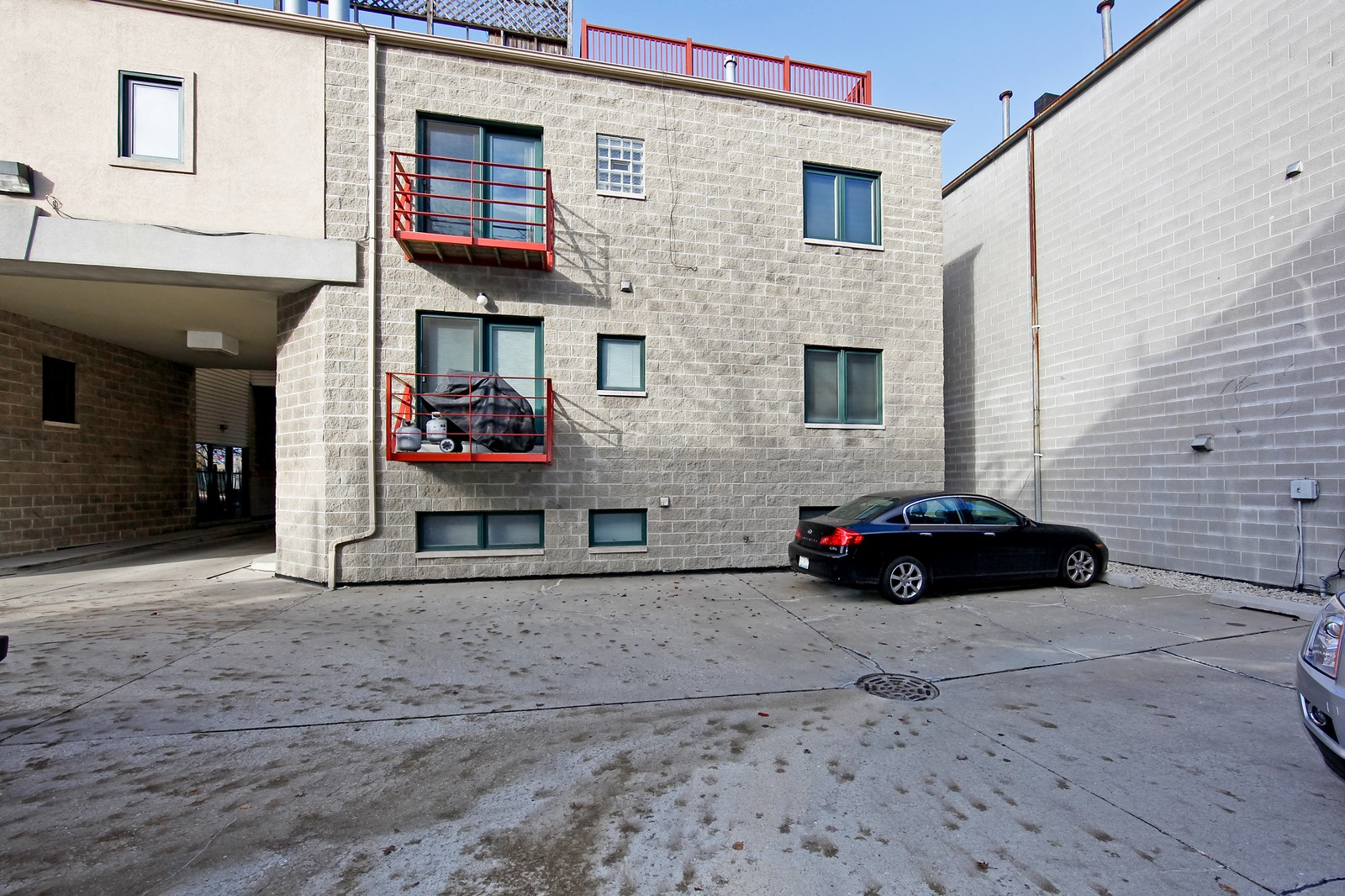 Real Estate Photography - 915 N. Racine Ave, 1NW, Chicago, IL, 60622 - Rear View