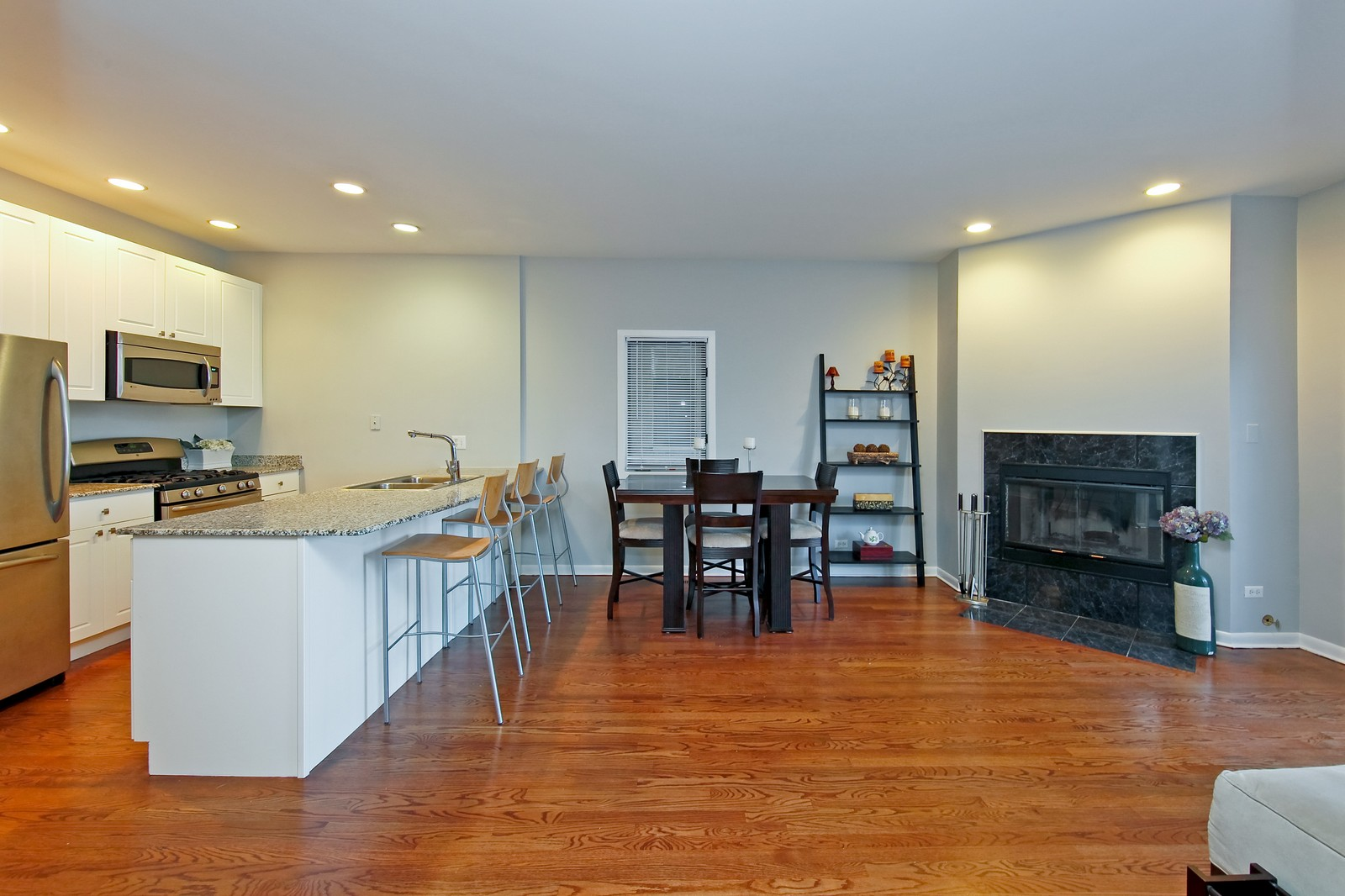 Real Estate Photography - 915 N. Racine Ave, 1NW, Chicago, IL, 60622 - Living Room / Dining Room