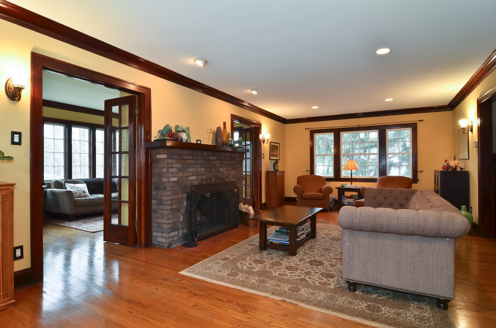 Real Estate Photography - 6270 N Louise, Chicago, IL, 60646 - Living Room