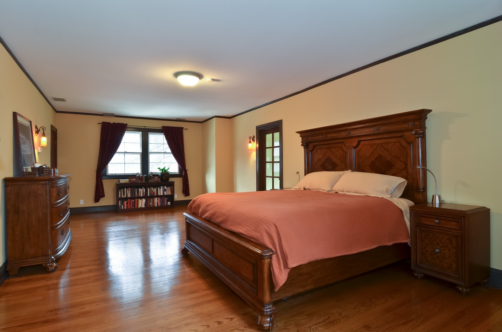 Real Estate Photography - 6270 N Louise, Chicago, IL, 60646 - Master Bedroom