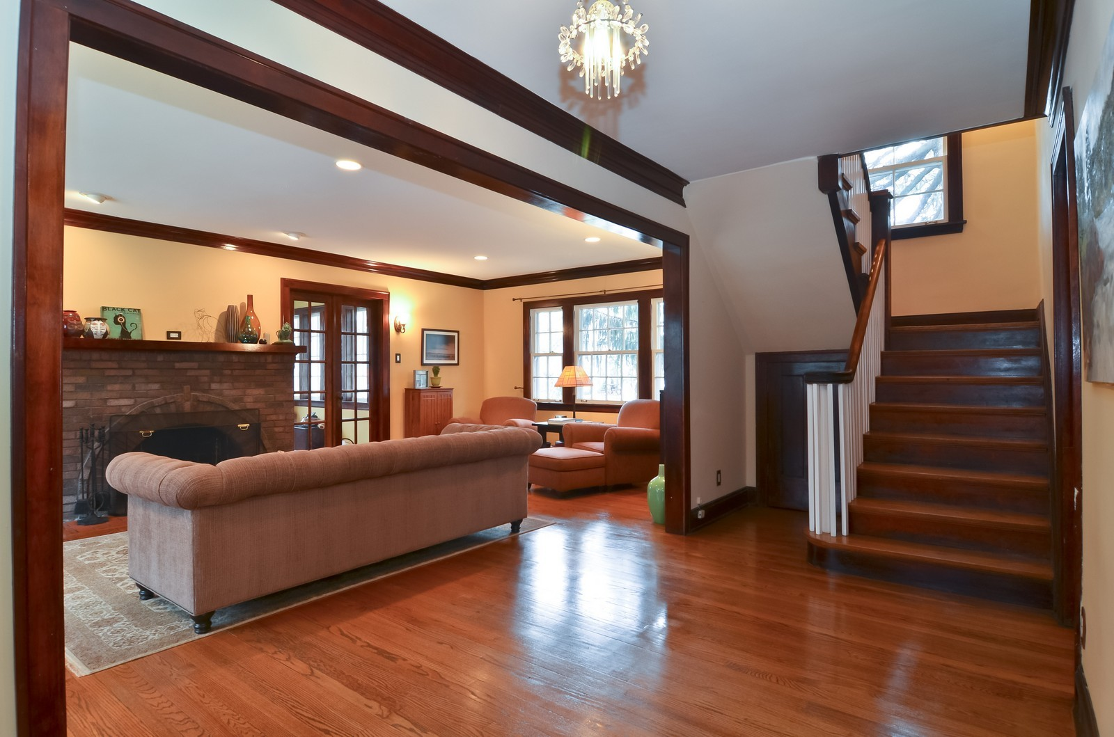 Real Estate Photography - 6270 N Louise, Chicago, IL, 60646 - Foyer