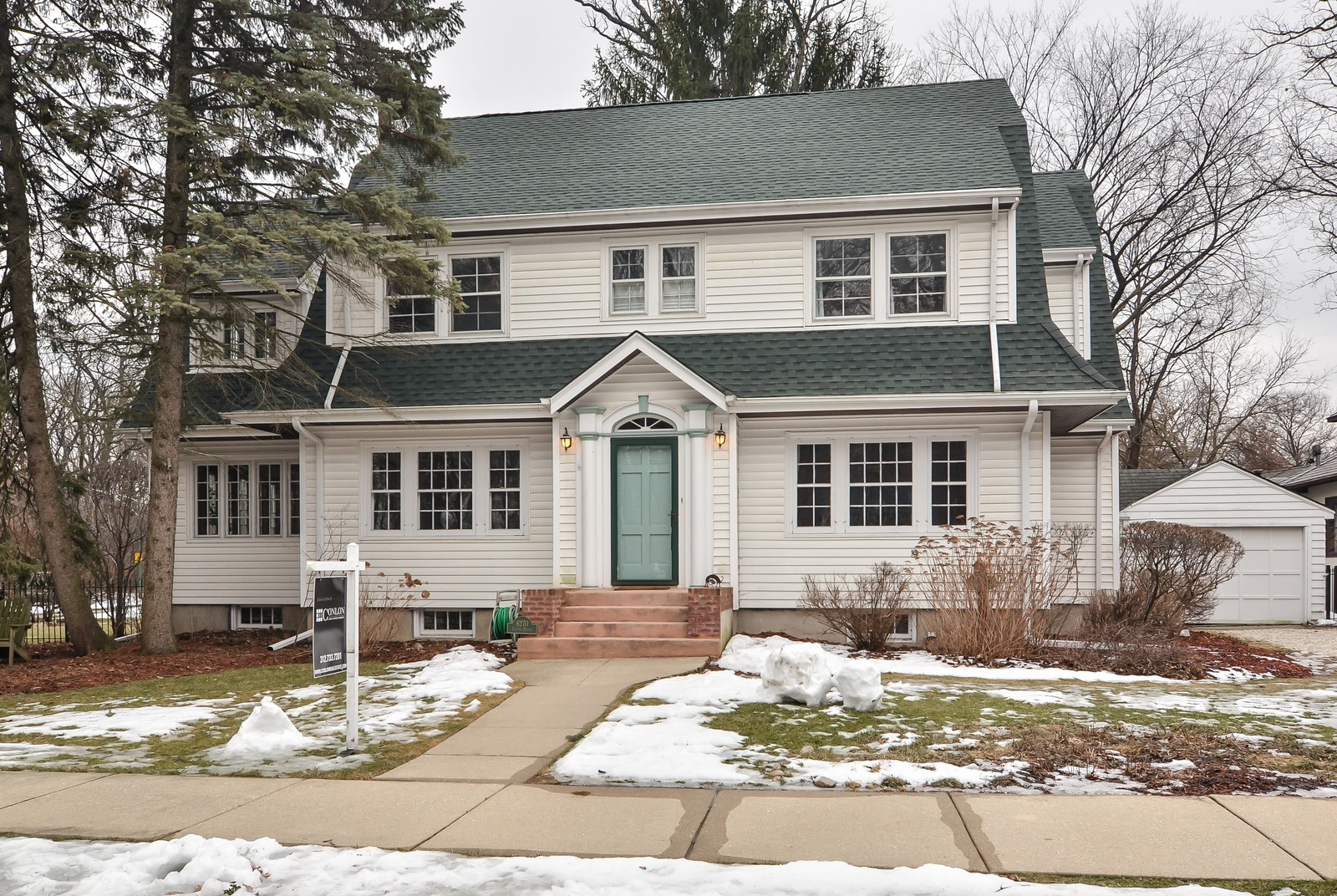 Real Estate Photography - 6270 N Louise, Chicago, IL, 60646 - Front View