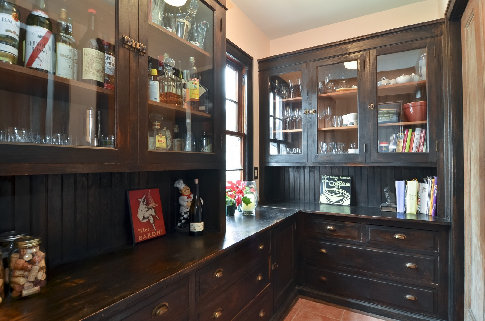 Real Estate Photography - 6270 N Louise, Chicago, IL, 60646 - Pantry