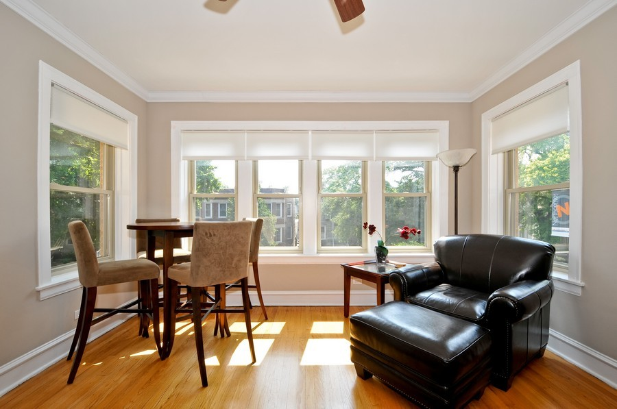Real Estate Photography - 1928 W Addison, 2S, Chicago, IL, 60613 - Sun Room