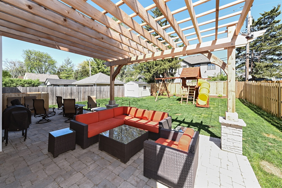 ... Real Estate Photography   4819 Oakwood, Downers Grove, IL, 60515   Patio  ...
