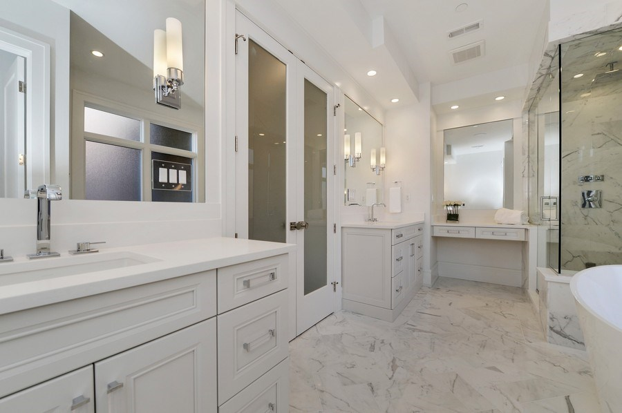 Real Estate Photography - 1823 N Bissell, Chicago, IL, 60614 - Master Bathroom