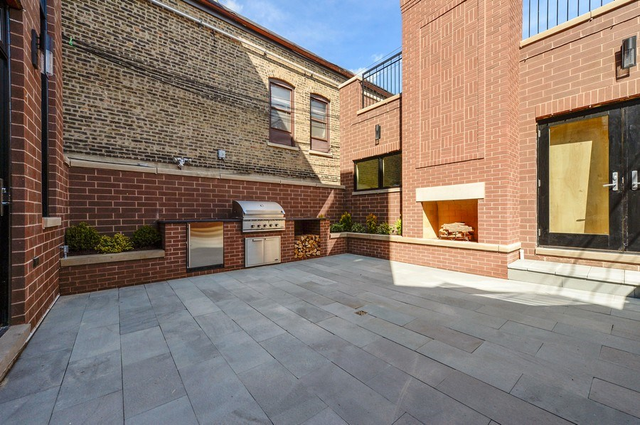 Real Estate Photography - 1823 N Bissell, Chicago, IL, 60614 - Patio