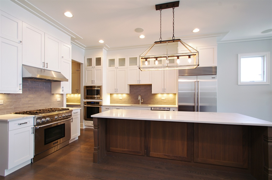 Real Estate Photography - 2024 W Melrose, Chicago, IL, 60618 - Kitchen