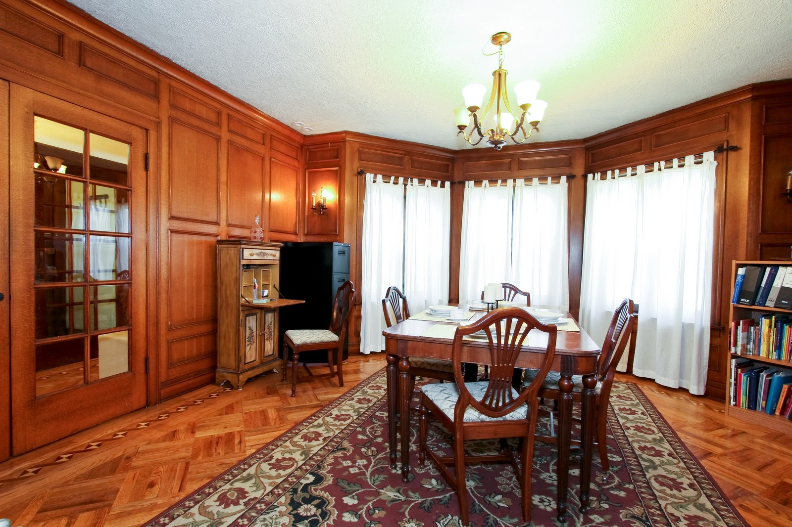 Real Estate Photography - 9001 S. Bell Ave., Chicago, IL, 60643 - Dining Room