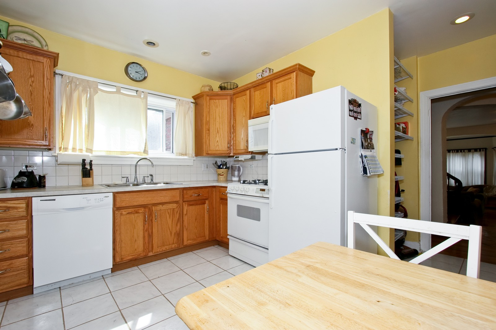 Real Estate Photography - 9001 S. Bell Ave., Chicago, IL, 60643 - Kitchen