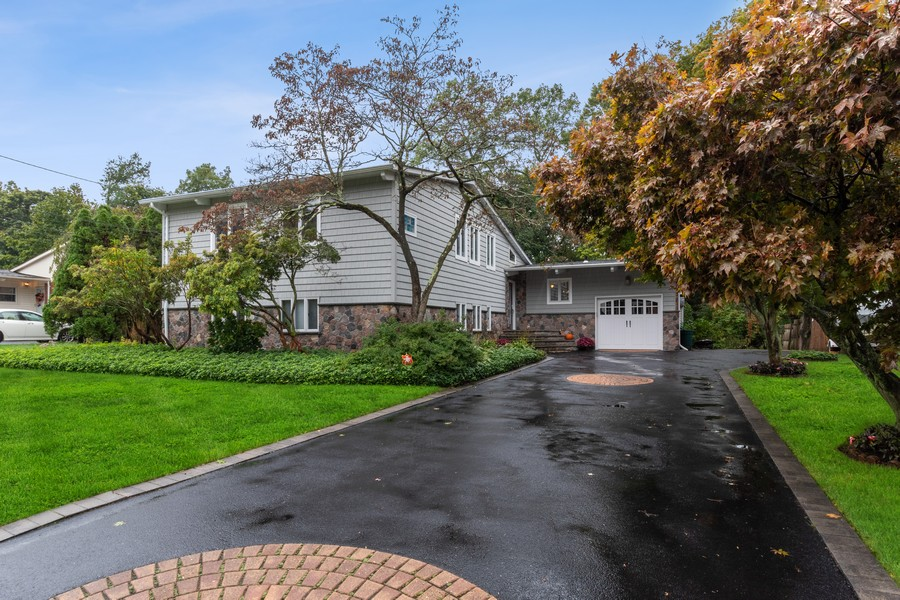 Real Estate Photography - 39 Gabriele Drive, East Norwich, NY, 11732 -