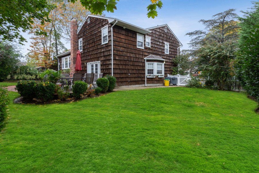 Real Estate Photography - 99 Crystal Court, Hewlett, NY, 11557 -