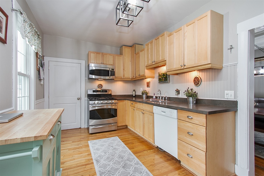 Real Estate Photography - 11337 S Fairfield, Chicago, IL, 60655 - Kitchen