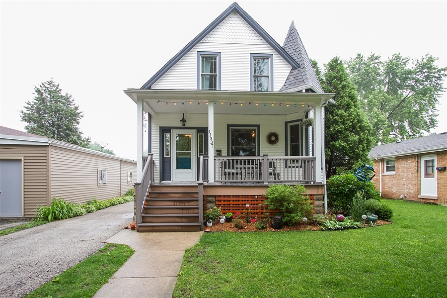 Real Estate Photography - 11337 S Fairfield, Chicago, IL, 60655 - Front View