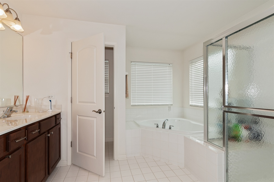 Real Estate Photography - 227 Norway Dr, Bartlett, IL, 60103 - Master Bathroom