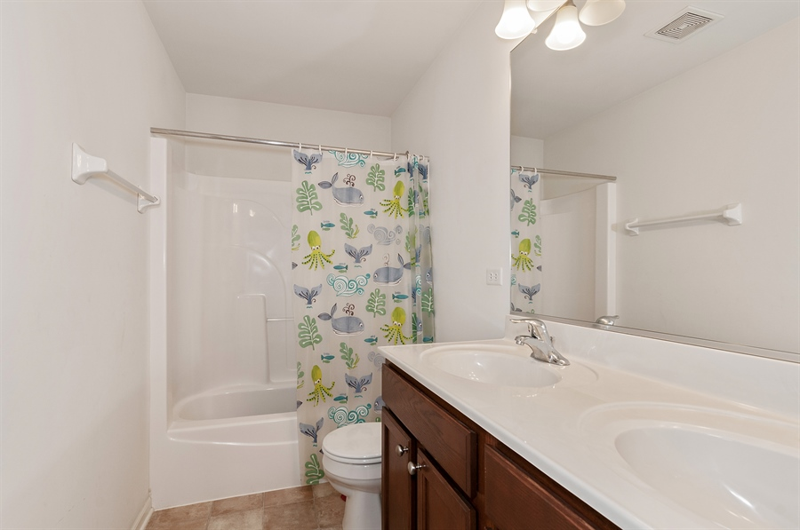 Real Estate Photography - 227 Norway Dr, Bartlett, IL, 60103 - Bathroom