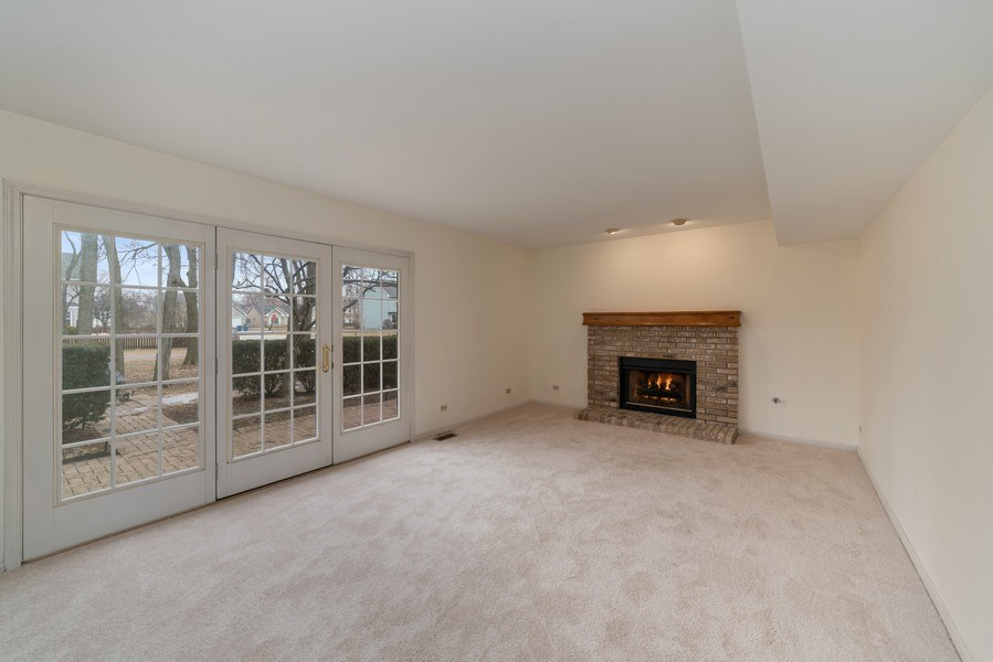 Real Estate Photography - 175 Meadowview Ln., Aurora, IL, 60502 - Family Room